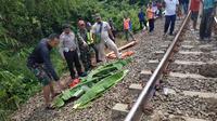 Warga di Kampung Angraeni Bakti, Desa Daru, Kecamatan Jambe, Kabupaten Tangerang digegerkan dengan temuan kepala seorang wanita.