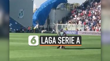 Ada kejadian unik saat pertandingan Inter Milan vs Sossuolo pada lanjutan Serie A 2019-2020. Saat Romelu Lukaku hendak mengeksekusi penalti, seorang penerjun payung mendarat di lapangan. Pertandingan pun sempat dihentikan beberapa menit.