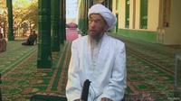 Imam Masjid Id Kah, Juma Tahir, ditemukan tewas setelah salah subuh pada Rabu 30 Juli lalu. (BBC)
