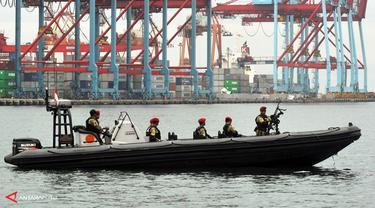 tni-angkatan-laut130222a.jpg