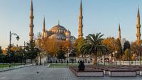 Ilustrasi Blue Mosque di Turki (dok.unsplash/ Lewis J Goetz)