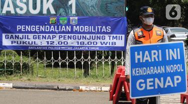 FOTO: Pengendalian Mobilitas Ganjil Genap Pengunjung TMII