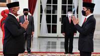 Presiden Joko Widodo (Jokowi) melantik Ganip Warsito menjadi Kepala BNPB di Istana Negara Jakarta, Selasa (25/5/2021). (Humas Sekretariat Kabinet)
