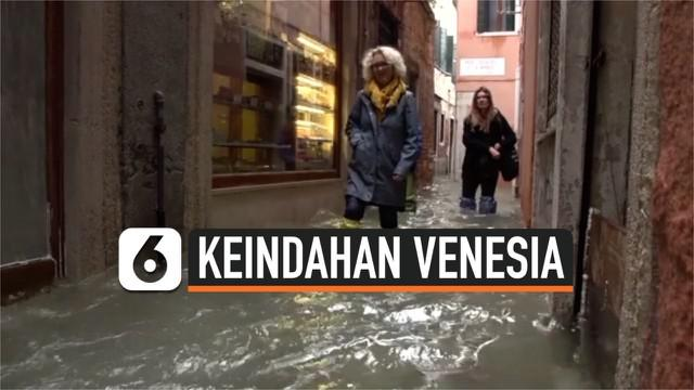 Banjir besar menutupi sebagian kawasan Venesia sejak 14 November 2019. Banjir menyebabkan sejumlah lokasi wisata tidak bisa dinikmati oleh turis yang datang.