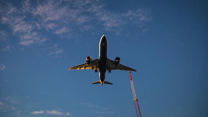Ilustrasi keselamatan penerbangan (dok.unsplash/ Jp Valery)