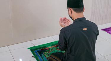 Ilustrasi Islami, muslim, berdoa