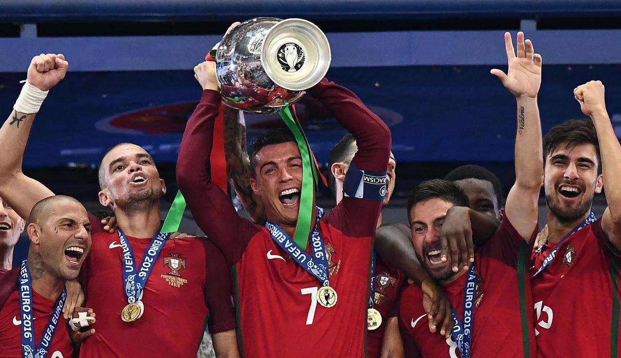 Trofi di level negara lebih sulit diraih karena penyelenggaraannya yang berjarak empat tahun sekali dibanding level klub yang reguler setahun sekali. Berikut 4 pemain yang mampu menyandingkan gelar Liga Champions dan trofi Euro dalam tahun yang sama. (Foto: AFP/Franck Fife)