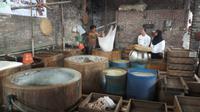 Industri kecil menengah (IKM) pembuatan tahu di Desa Tropodo, Kecamatan Krian, Kabupaten Sidoarjo, Jawa Timur. (Foto: Liputan6.com/Dian Kurniawan)