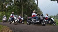 Journalist Max Community merayakan HUT Kemerdekaan ke-74 Republik Indonesia dengan menggelar Touring Kemerdekaan. (ist)