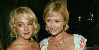 Lindsay Lohan sepertinya tak menyukai sikap Paris Hilton yang kembali menghinanya meski hubungan keduanya sudah tak baik sejak lama. (Cosmopolitan)