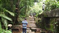 Memburu air sendang pengantin di Kediri (Liputan6.com/Dian Kurniawan)