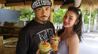 7 Potret Jerinx dan Nora Alexandra Philip Saat Lakukan Upacara Pernikahan Adat Bali