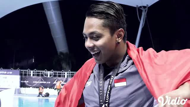 Berita video salah satu atlet renang Indonesia di SEA Games 2017, Siman Sudartawa, memilih Chelsea Islan dibanding Raisa dalam sebuah games.