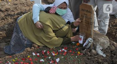 Pemakaman Jenazah dengan Protokol Covid-19 di TPU Rorotan Sentuh Angka Ratusan
