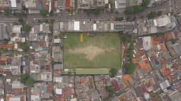 Suasana Stadion VIJ Petojo M.H Thamrin yang terletak di Jakarta, Minggu (17/2). Stadion dengan kapasitas 500 penonton ini merupakan cikal bakal dari kandang Persija Jakarta. (Bola.com/Muhammad Husni)