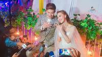 Pesta pernikahan Lee Jeong Hoon dan Moa bertabur balon warna-warni dan para selebriti tanah air. Selain itu, nuansa Korea pun dipilih keduanya untuk tema pernikahan mereka, dan ini juga terjadi untuk foto prewedding mereka. (Instagram/leemoalovers)