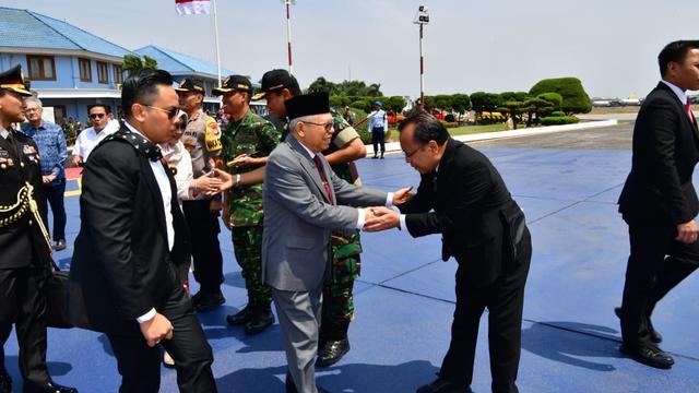 Ma'ruf Amin saat bertolak ke Jepang di Bandara Halim Perdanakusuma