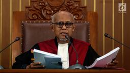 Hakim tunggal Achmad Guntur memimpin jalannya sidang permohonan praperadilan tersangka kepemilikan senjata ilegal Kivlan Zen di PN Jakarta Selatan, Selasa (30/7/2019). Hakim Guntur menyebut penetapan tersangka Kivlan Zen sudah didasari bukti permulaan yang cukup. (Liputan6.com/JohanTallo)