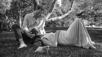 Umumkan kehamilan kedua, Menghan Markle mengenakan gaun Carolina Herrera yang dibuat pada masa kehamilannya yang pertama. | instagram.com/meghanmarkle_official