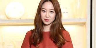 Sudah tak perlu diragukan lagi kemampuan Gong Hyo Jin di dunia akting. Ia sudah bermain dalam beberapa drama seperti Don't Dare to Dream, It's Okay, That's Love, The Producers, dan Jealousy Incarnate. (Foto: allkpop.com)