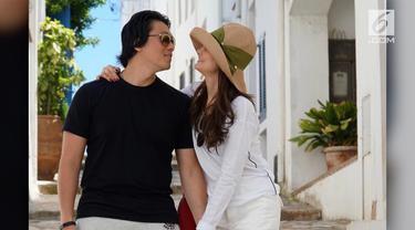 Reino Barack blak-blakan mengenai mantan pacarnya, Luna Maya. Ia mengaku selama lima tahun berjalan, hasilnya tidak membuatnya puas. Ia kecewa dengan Luna Maya.