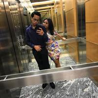 Rabbani Zaki dan Aurel Hermansyah foto bersama dalam lift (Instagram/@rabbanizaki)