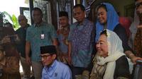 Sandiaga Uno bertemu Sinta Nuriyah (Merdeka.com/Hari Ariyanti)
