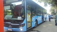 Pemprov DKI Jakarta luncurkan Bus Transjakarta difabel, Rabu (19/10/2016). (Delvira Chaerani Hutabarat/Liputan6.com)