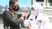 Gubernur Jatim Khofifah di acara HUT ke-76 TNI. (Dian Kurniawan/Liputan6.com)