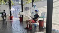 Pebulutangkis Indonesia menjalani tes swab PCR kedua di Bangkok menjelang perhelatan Thailand Terbuka 2021. (PBSI)