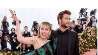 Miley Cyrus dan Liam Hemsworth (Sumber:Instagram/liamhemsworth )