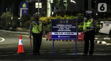 FOTO: Hari Kedua Pembatasan Mobilitas Warga Jakarta