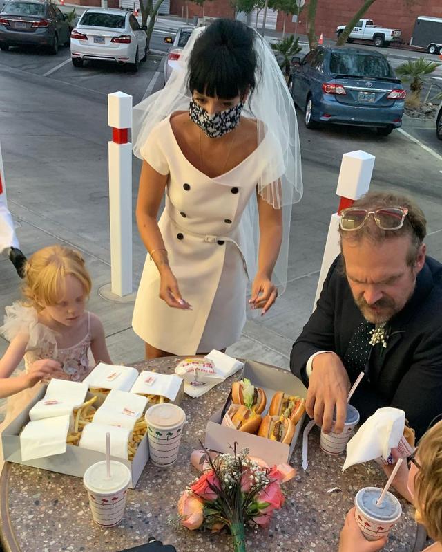 Pernikahan Lily Allen - David Harbour. (Instagram/ dkharbour)