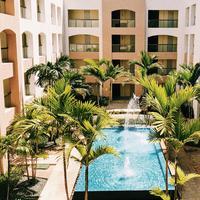Jangan asal murah, banyak hal yang patut dipertimbangkan saat hendak booking hotel. (Foto: unsplash.com)
