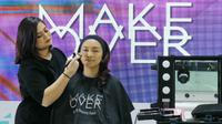 Setiap wanita atau pecinta make up umumnya pasti selalu mencari jalan keluar agar riasan yang diaplikasikan di wajah bisa tahan lama. Untuk mengakalinya, bisa dengan menggunakan primer sebelum make up yang membantu foundation menempel lebih tahan lama.