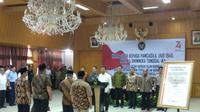 14 orang dari eks Harokah Islam Indonesia, eks DI/TII, eks NII membacakan ikrar setia kepada Pancasila, UUD 1945, NKRI, dan Bhinneka Tunggal Ika. (Liputan6.com/Putu Merta Surya Putra)