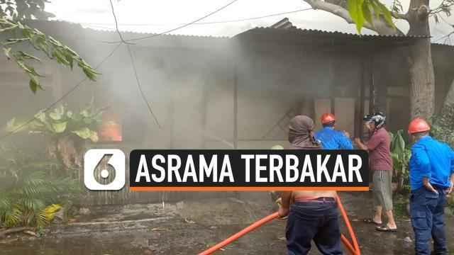 asrama terbakar