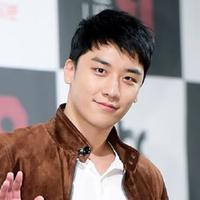 Tak hanya Taeyang, Seungri juga menceritakan tentang kondisi dari G-Dragon. Ia menjelaskan jika GD juga menjalankan tugas wajib militernya dengan baik. (Foto: soompi.com)