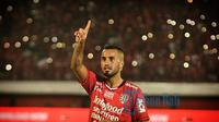 Gelandang Bali United, Brwa Nouri, memutuskan pensiun setelah tak masuk skuat Timnas Irak untuk Piala Asia 2019. (Instragram/@brwanouri)