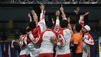 Indonesia merebut medali emas beregu putra bulutangkis SEA Games 2019 di Multinlupa Sport Center, Rabu (4/12). Ginting menang 13-21, 21-15, dan 21-18. (Bola.com/M Iqbal Ichsan)