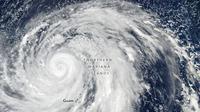 Topan Hagibis yang sedang mengarah ke Jepang. (NASA)