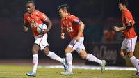Sebelumnya Greg Nwokolo juga pernah bermain di Thailand bersama klub Chiangrai United pada 2012 silam. (Sasana.Bectero.com)