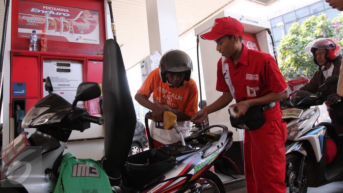 Ahok Beri Cashback 50 Persen untuk Ojol yang Beli BBM Nonsubsidi