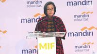 "Menkeu Sri Mulyani Indrawati saat memberi pemaparan dalam acara Mandiri Investment Forum (MIF) di Jakarta, Rabu (7/2). Acara ini mengusung tema ""Reform and Growth in The Political Years"". (Liputan6.com/Angga Yuniar)"