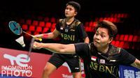 Pasangan Indonesia, Apriyani Rahayu / Putri Syaikah melawan pasangan Prancis, Margot Lambert/ Anne Tran pada matchday kedua Piala Uber 2020 di Ceres Arena, Aarhus, Denmark, Senin (11/10/2021). (Badminton Photo/Yohan Nonotte)