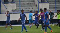 Tim PSIS Semarang saat berlatih di Stadion Citarum pada musim 2019. (Bola.com/Vincentius Atmaja)