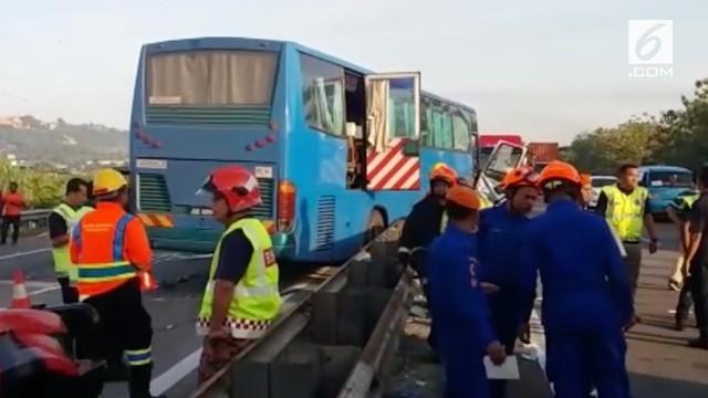 2 bus berisi karyawan pabrik di Penang mengalami kecelakaan. 8 orang tewas, 7 diantaranya warga negara Indonesia.