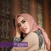 Berpisah dari Lucky Hakim bukan akhir segalanya bagi Tiara Dewi. [Foto: Bambang E Ros, DI: Muhammad Iqbal Nurfajri/Bintang.com)