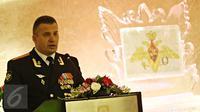 Atase Militer Rusia di Indonesia Nikolay Nikolayuk saat berpidato pada acara Hari Militer Rusia di Jakarta, Selasa (23/2). Acara ini juga dihadiri Atase Militer dari sejumlah negara di Indonesia. (Liputan6.com/Immanuel Antonius)