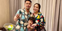 Beberapa hari lalu, Nagita Slavina membagikan kabar bahagia kalau dirinya tengah mengandung anak kedua. Seperti kebanyakan ibu hamil lainnya, istri Raffi Ahmad ini juga mengalami beberapa perubahan pada hormonnya. (Instagram/raffinagita1717)